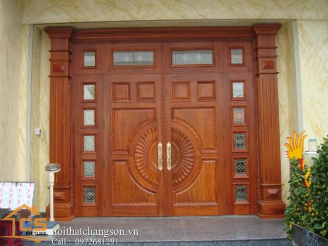 Hình ảnh cửa gỗ đẹp CGĐ10 làm từ gỗ lim lào - nội thất chàng sơn